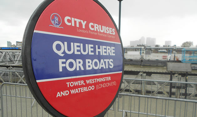 London guide - boat queue