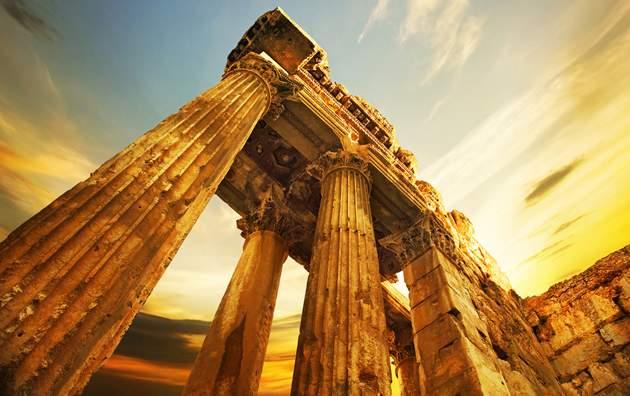 Travel money - Roman Ruins in Lebanon