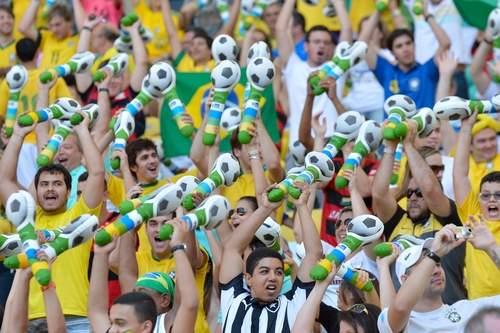 © Celso PupoFriendly Brazilian Fans