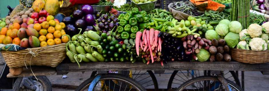 fruit and veg cart in India