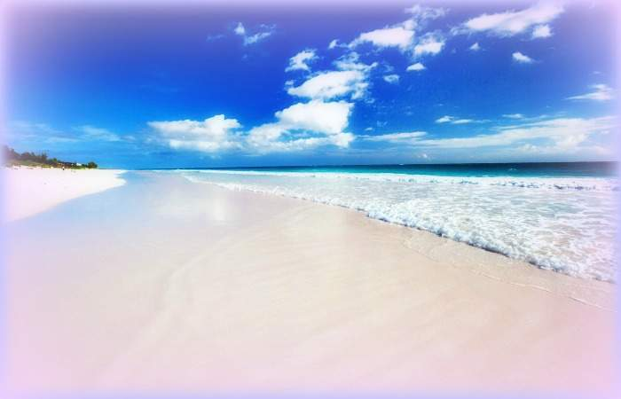 beautiful-beach-at-bahamas-harbour-island-with-filter