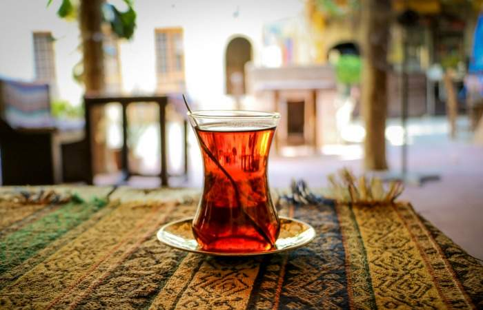 glass-of-tea-in-turkey2