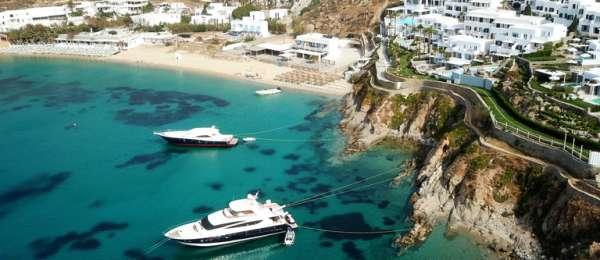 yachts in Mykonos