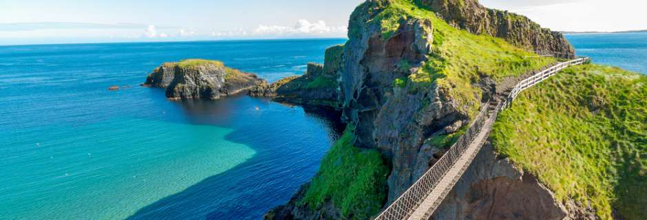 Carrick-A-Rede rope bridge on a sunny day