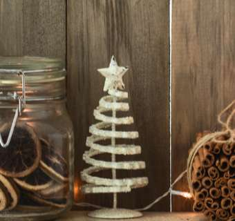 Rustic Christmas decorations at home