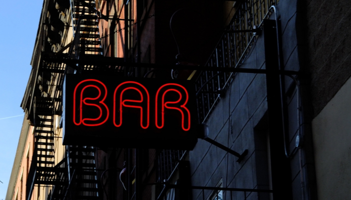 Picture of a neon sign saying 'Bar' in New York